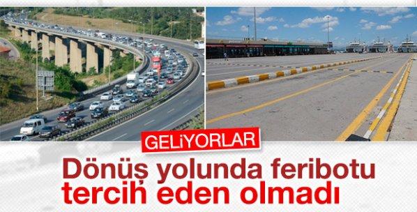 Bayram tatili dönüşü trafik yoğunluğu