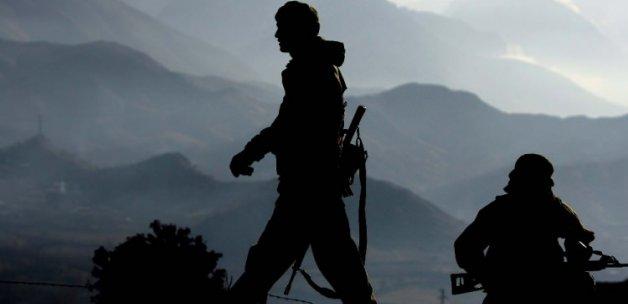 Bitlis'te karakola hain saldırı: 1 yaralı