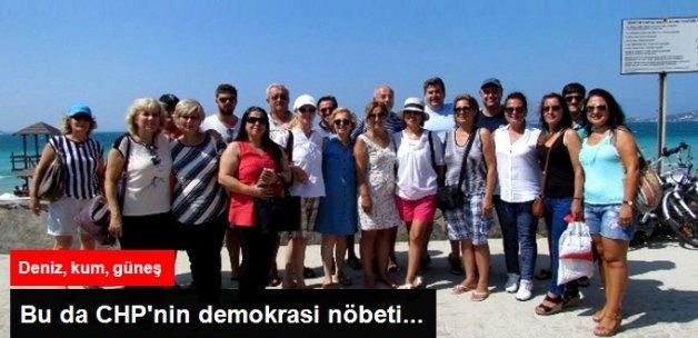 CHP Çeşme İlçe Örgütü Plajda Vatandaşları Demokrasi Mitingine Davet Etti