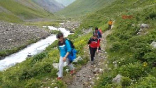 Erzurum Dağcılar, Buzlarla Kaplı Kaçkarlar'ın Zirvesine Çıktı!