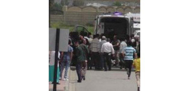 Hakkari-Van yolunda PKK'lılar bir korucuyu şehit etti