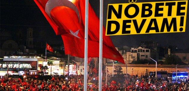 İstanbullular demokrasi nöbetine devam ediyor
