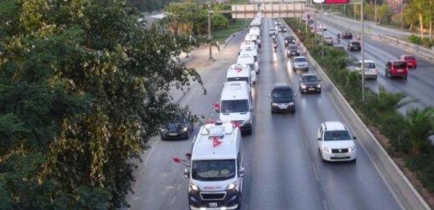 İzmir'de anlamlı konvoy