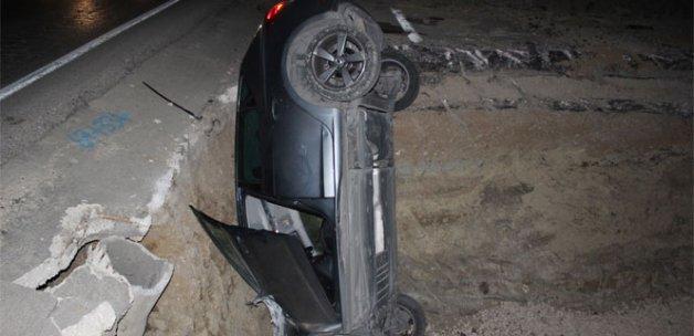 Otomobil çukura düştü: 5 Yaralı