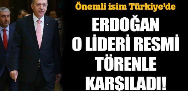 Erdoğan, Bahreyn Kralı Halife'yi törenle karşıladı