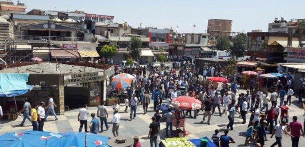 PKK'lılar Diyarbakır'da vatandaşa saldırdı