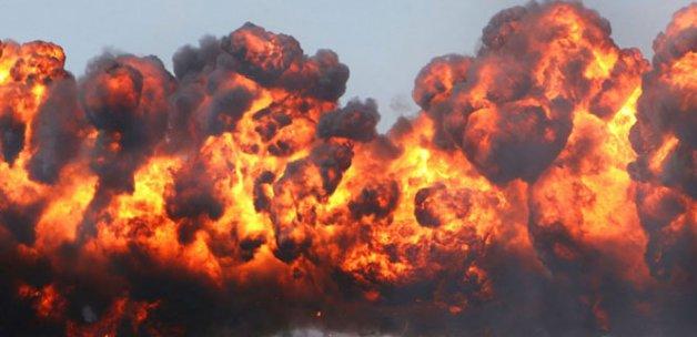 Somali'de hükümet binalarına bombalı araç saldırısı: 10 ölü