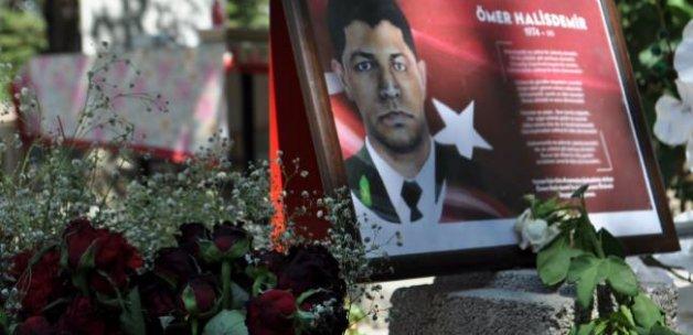 Türkiye kahramanını yalnız bırakmadı!