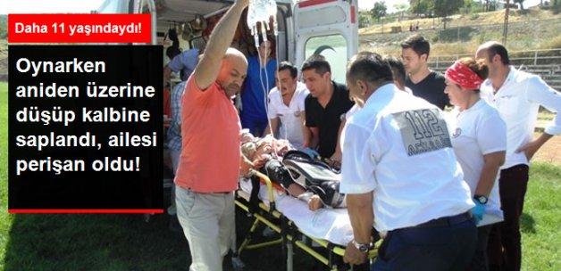Üzerine Düştüğü Makas Kalbine Saplanan Çocuk Hayatını Kaybetti
