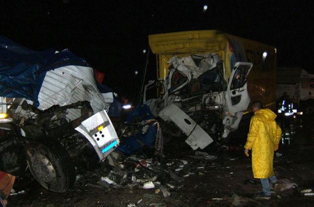 Afyonkarahisar'da trafik kazası: 3 ölü, 5 yaralı