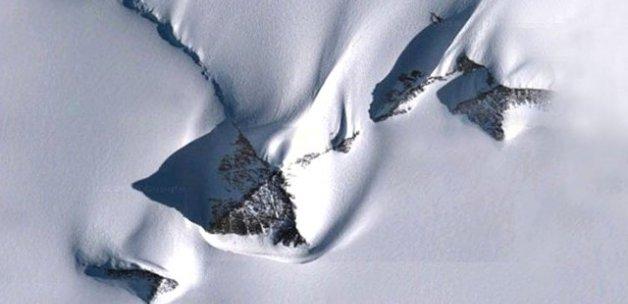 Antarktika'daki Gizemli Piramitlerin Sırrı Çözüldü