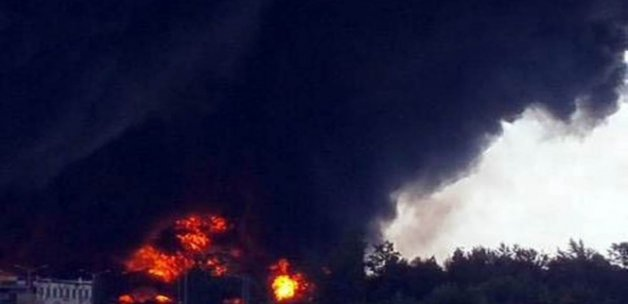 Azerbaycan'da petrol platformunda yangın