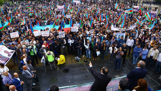 Azerbaycan'da referanduma doğru