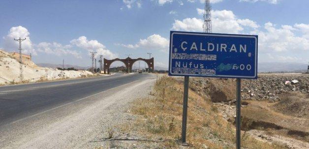 Çaldıran-Doğubayazıt yolu ulaşıma kapatıldı