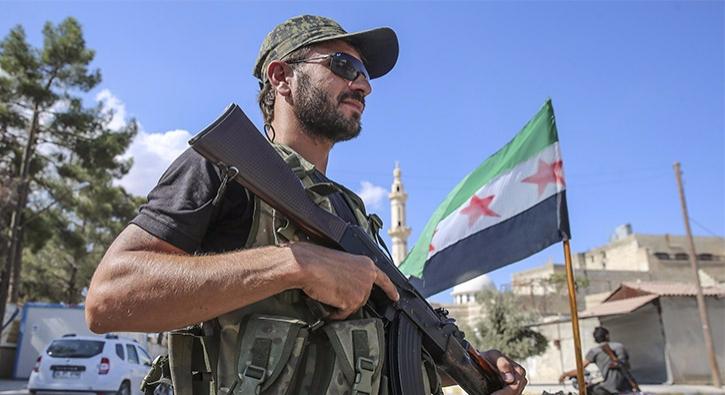 DAEŞ'li teröristler Rakka'ya kaçıyor