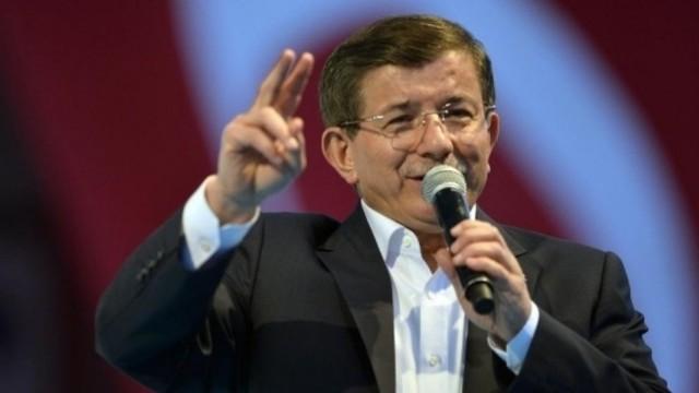 Ertuğrul Özkök'ten Ahmet Davutoğlu'na: Sus, Allah aşkına sus