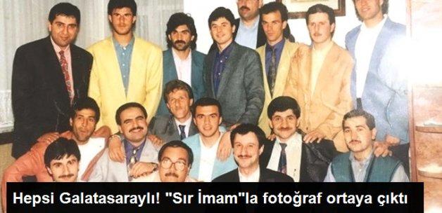 Galatasaraylı Eski Futbolcuların Adil Öksüz ve Ahmet Kırmiç'le Fotoğrafı Ortaya Çıktı