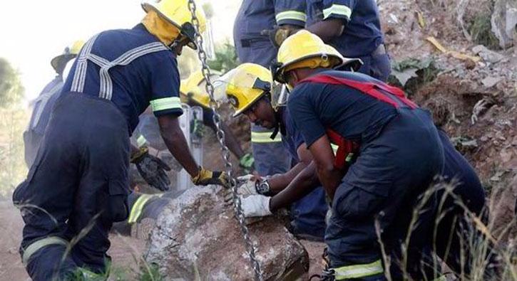 Güney Afrika'da madenciler mahsur kaldı