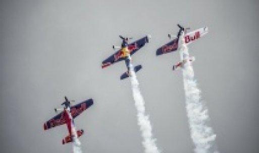 Kenan Sofuoğlu'dan Red Bull Air Race öncesi özel gösteri