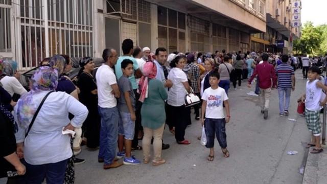 Mersin'de 1 kilometre işsizlik kuyruğu
