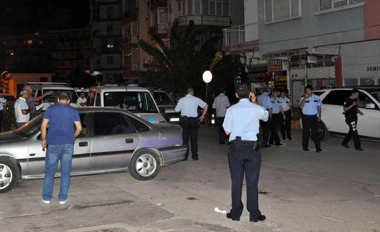 Müteahhite evinin önünde silahlı saldırı