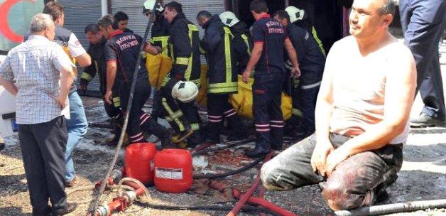 Oğlu Yangında Ölen Baba, Cesedinin Çıkarılmasını Bekledi