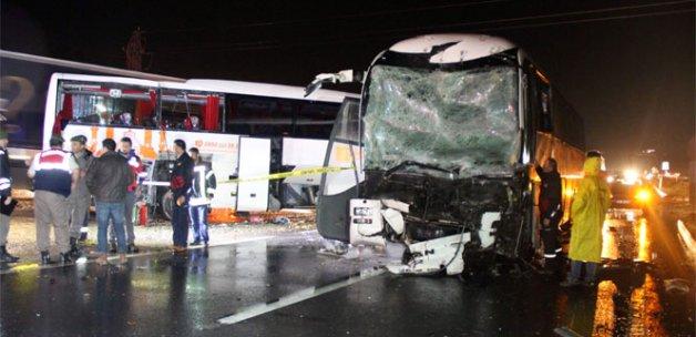 Otobüs kazasında 2 kişi hayatını kaybetti