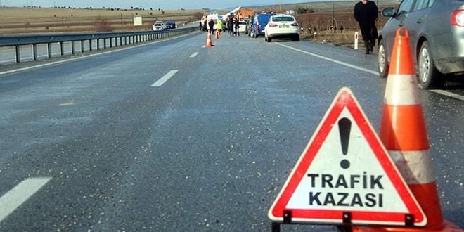 Samsun'da iki otomobil çarpıştı: 1 ölü, 7 yaralı