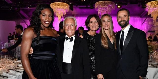 Serena Williams yıldız gibi parladı