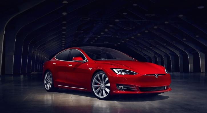 Tesla Model S'in frenlerini uzaktan hack'lediler!