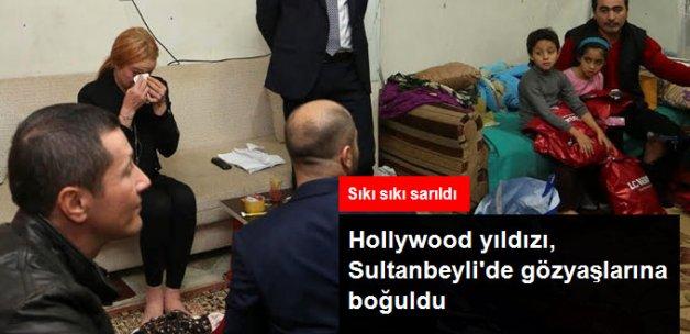 Ünlü Hollywood Starı Sultanbeyli'de Suriyeli Aileyi Ziyaret Etti