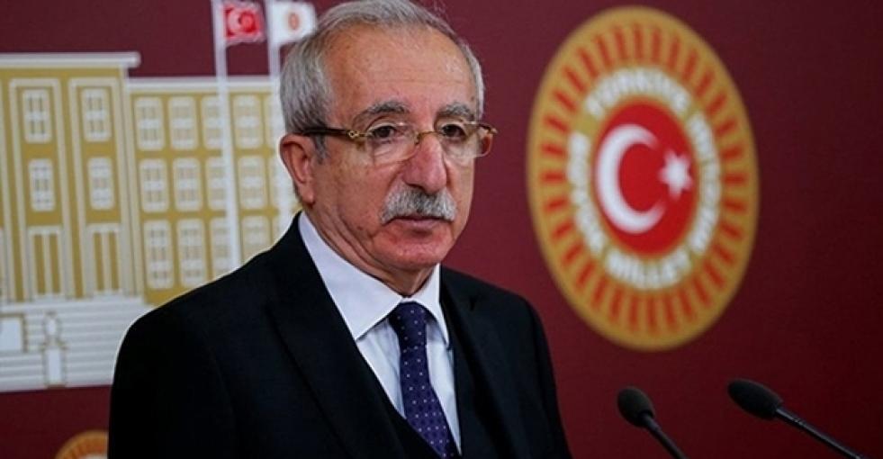 AKP'li Miroğlu: Aslı Erdoğan tutuksuz yargılanmalı