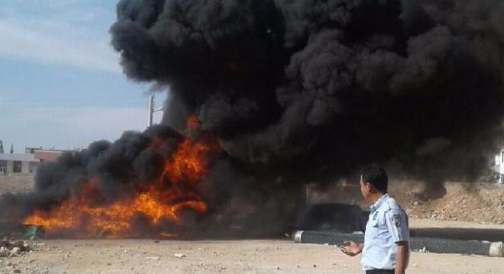 Ceylanpınar'da spor kompleksi malzemeleri yakıldı
