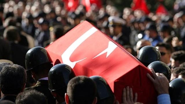 Diyarbakır'da üs bölgesine saldırı: 1 şehit