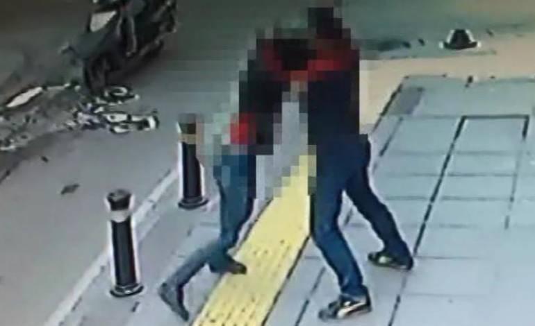 Genç kadının öldürülme anını kameralar kaydetti