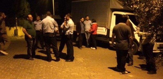 İzmir'de MİT lojmanları önüne EYP attılar