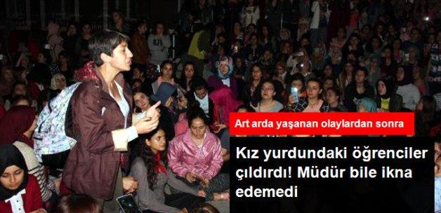 Kız Öğrenciler Arkadaşlarının Kaçırıldığını Öne Sürerek Yurda Girmeme Eylemi Yaptı