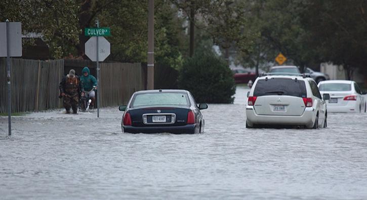 Matthew Kasırgası ABD'ye 6 milyar dolar zarar verdi