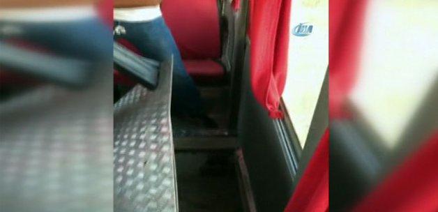 Minibüsün koltuklarının altındaki 'Zula'da 2 terörist yakalandı