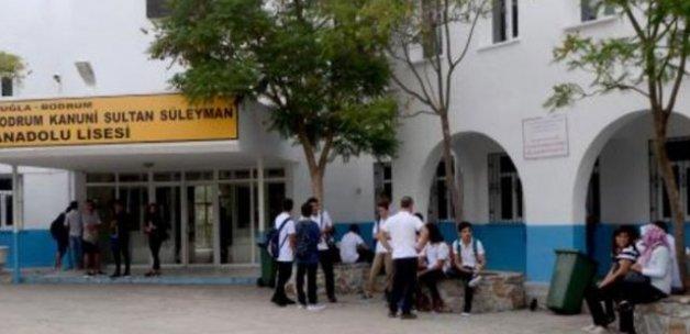 Müdür yardımcısına 'İstiklal Marşına saygısızlık' soruşturması