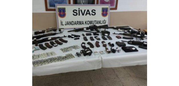 Ordu'da öldürülen 6 teröristin üzerinden çıkanlar