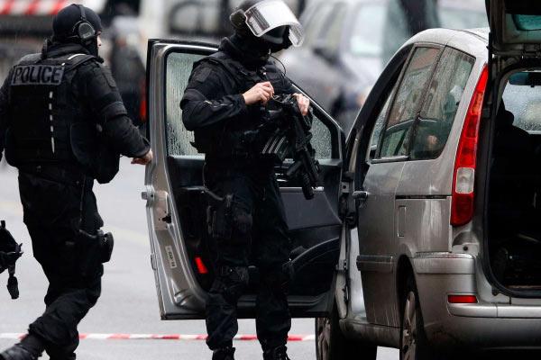Paris'te güvenlik için yeni öneri