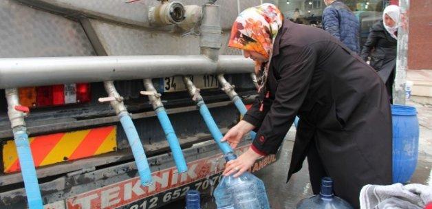 Bir haftadır susuz olan Esenyurt Kıraç sakinleri, İBB ve İSKİ'ye tepkili