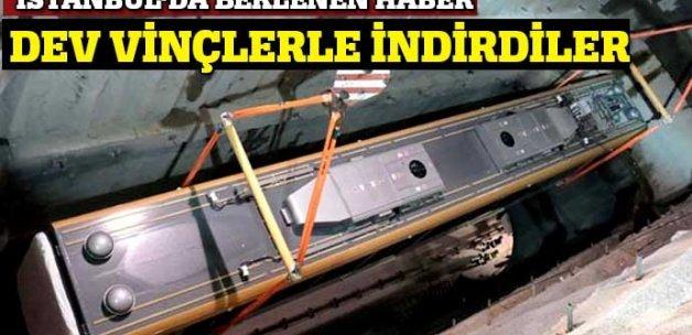 İstanbul'da yeni metro vagonları raylara böyle indirildi