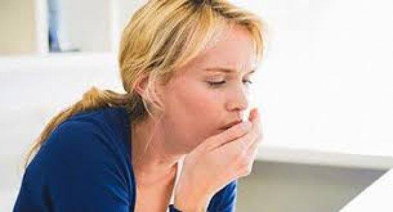 Kuru öksürük ve göğüs ağrısı varsa dikkat