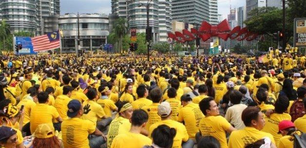 Malezya'da hükümete yolsuzluk protestosu