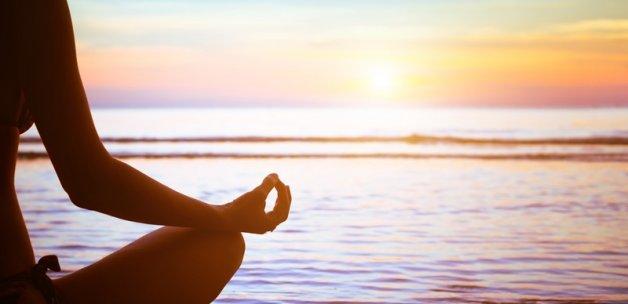 Sabahları yoga yapmanın 14 faydası