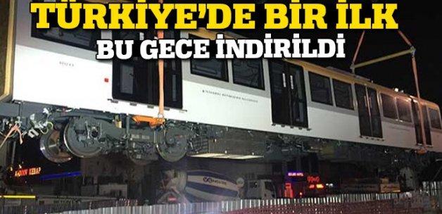 Üsküdar-Ümraniye-Çekmeköy metrosu vagonları raylara indirildi