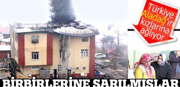 Türkiye kızlarına ağlıyor, birbirlerine sarılarak öldüler!..