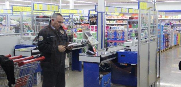 Adana'da pompalı tüfekle market soygunu